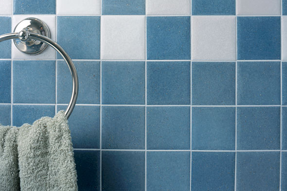 Как правильно класть кафель в ванной