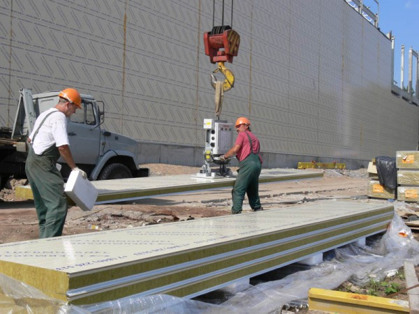 Производители стеновых панелей